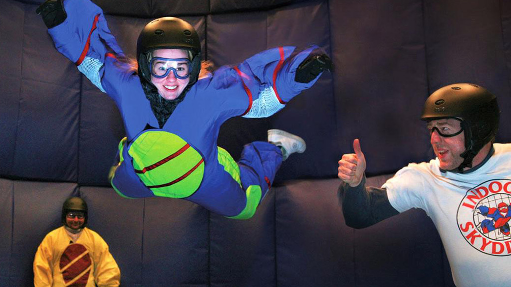 Niagara Freefall – Flying Girl
