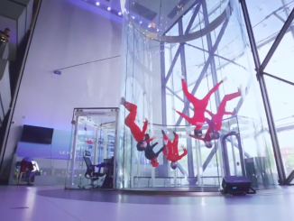 iFLY Paris - Flying Head Down Together